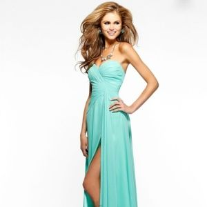 Faviana Gown, NEVER WORN!